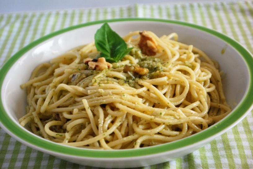 Pesto mit Walnüssen