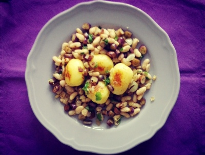 Kartoffen mit Auberginen und Bohnen
