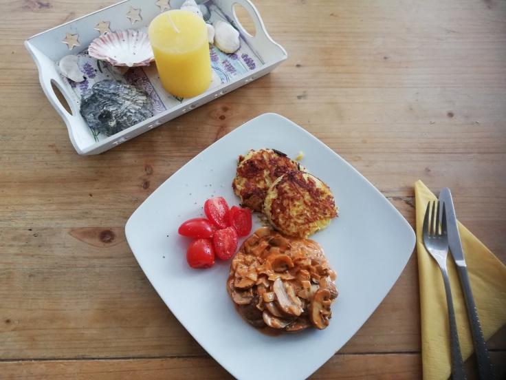 Röstis und Champignons a la creme