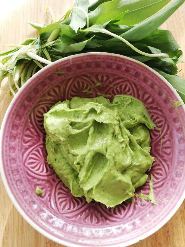 Dipp aus Avocado und Bärlauch